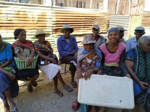 personnes assises mission humanitaire a madagascar