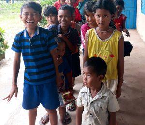 groupe d enfants aventure humanitaire