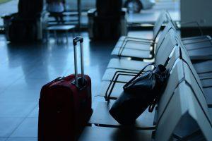 valises pour partir en mission aeroport