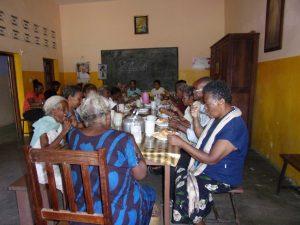 repas personnes agees solidarite