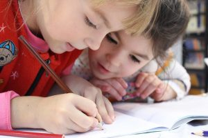 enfants ecrire solidarite